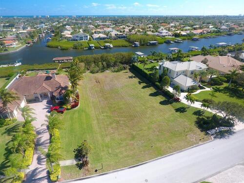248 Lansing Island Drive, Indian Harbour Beach, FL 32937