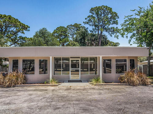 4415 S Hopkins Avenue S, Titusville, FL 32780