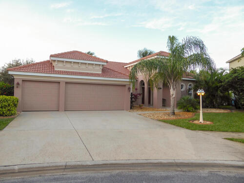417 Pirate'S Moon Court, Melbourne, FL 32903