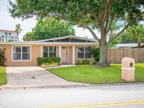 806 Hampton Way, Merritt Island, FL 32953
