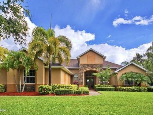 732 Carriage Lane, Merritt Island, FL 32952